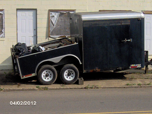 auction_pic_dump_trailer_07